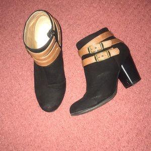 Qupid wedge booties